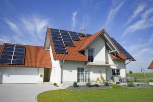 o-SOLAR-PANELS-HOUSE-facebook - Limegreen